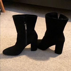 Jessica Simpson Kaelyn block heel booties